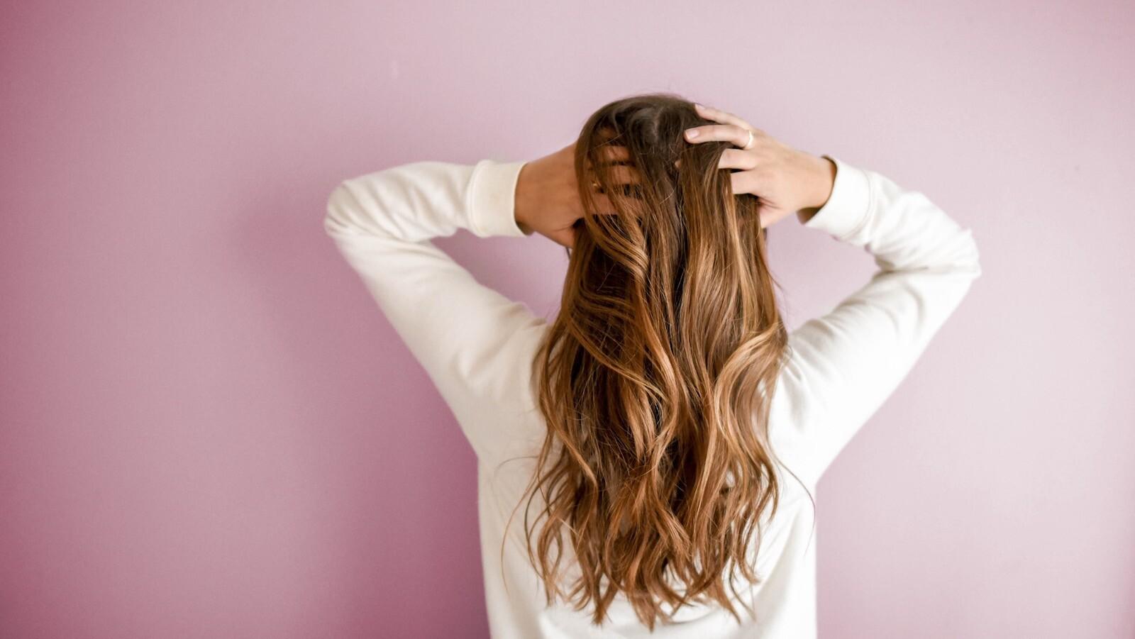 ده روش طبیعی برای بهبود سلامت و رشد مو